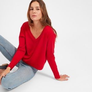 Everlane red v neck cropped cashmere sweater